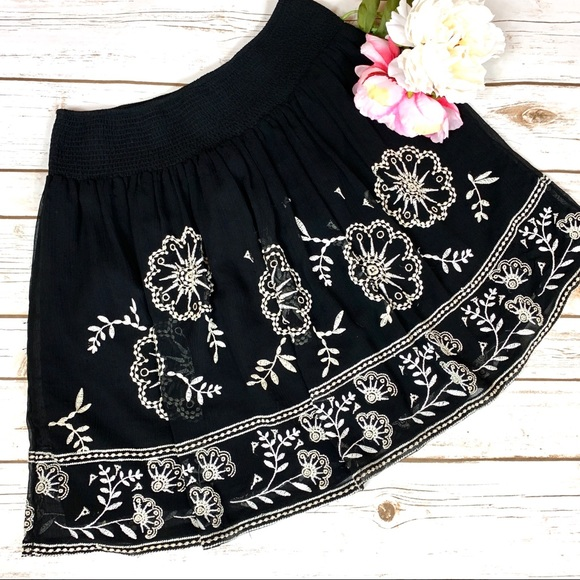 White House Black Market Dresses & Skirts - White House Black Market Free Flowing Mini Skirt